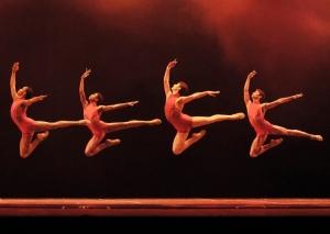 """Grupo """"Cello-Dance"""" irá dançar em Tatuí acompanhado por violoncelistas."""