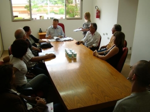 Prefeito assina convênios que beneficiam seis entidades do município.