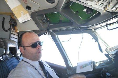 O comandante Samuel Loureiro Braga está na aviação profissional desde 1979.