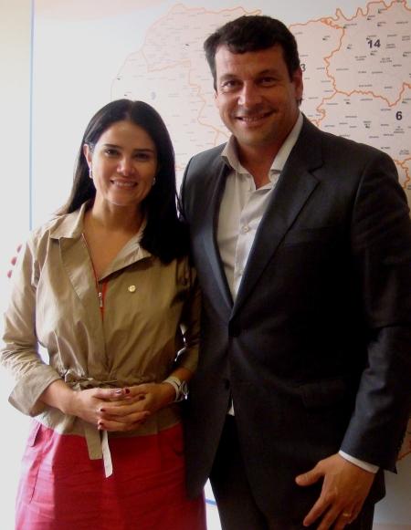 Manu reúne-se com a deputada federal Aline Corrêa.