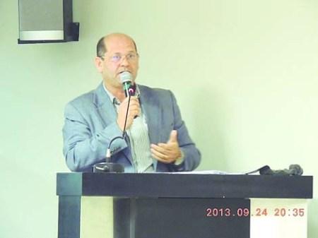 Vicente Aparecido Menezes.