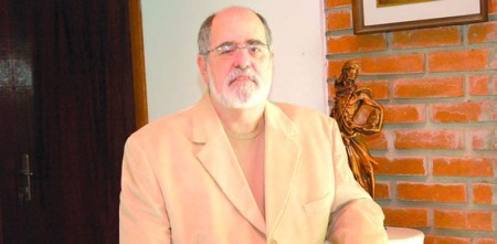 Maestro Antonio Carlos Neves Campos