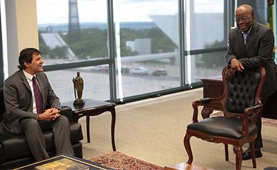 Joaquim Barbosa e prefeito Haddad. (Foto de Carlos Humberto/STF)