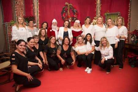 Integrantes do Fundo Social na inauguração do Natal Encantado. 2019 (1)