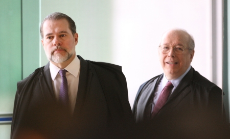 Ministros Dias Toffoli e Celso de Mello, na presidência do STF.